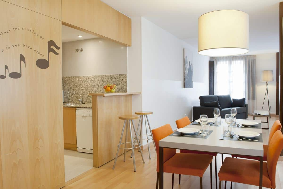 mh opera tourist apartments in las ramblas barcelona