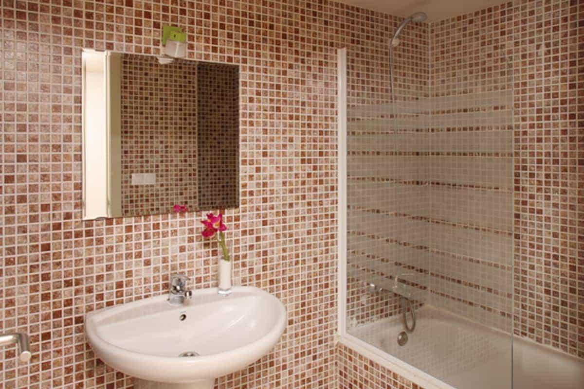 Baño MH Guell