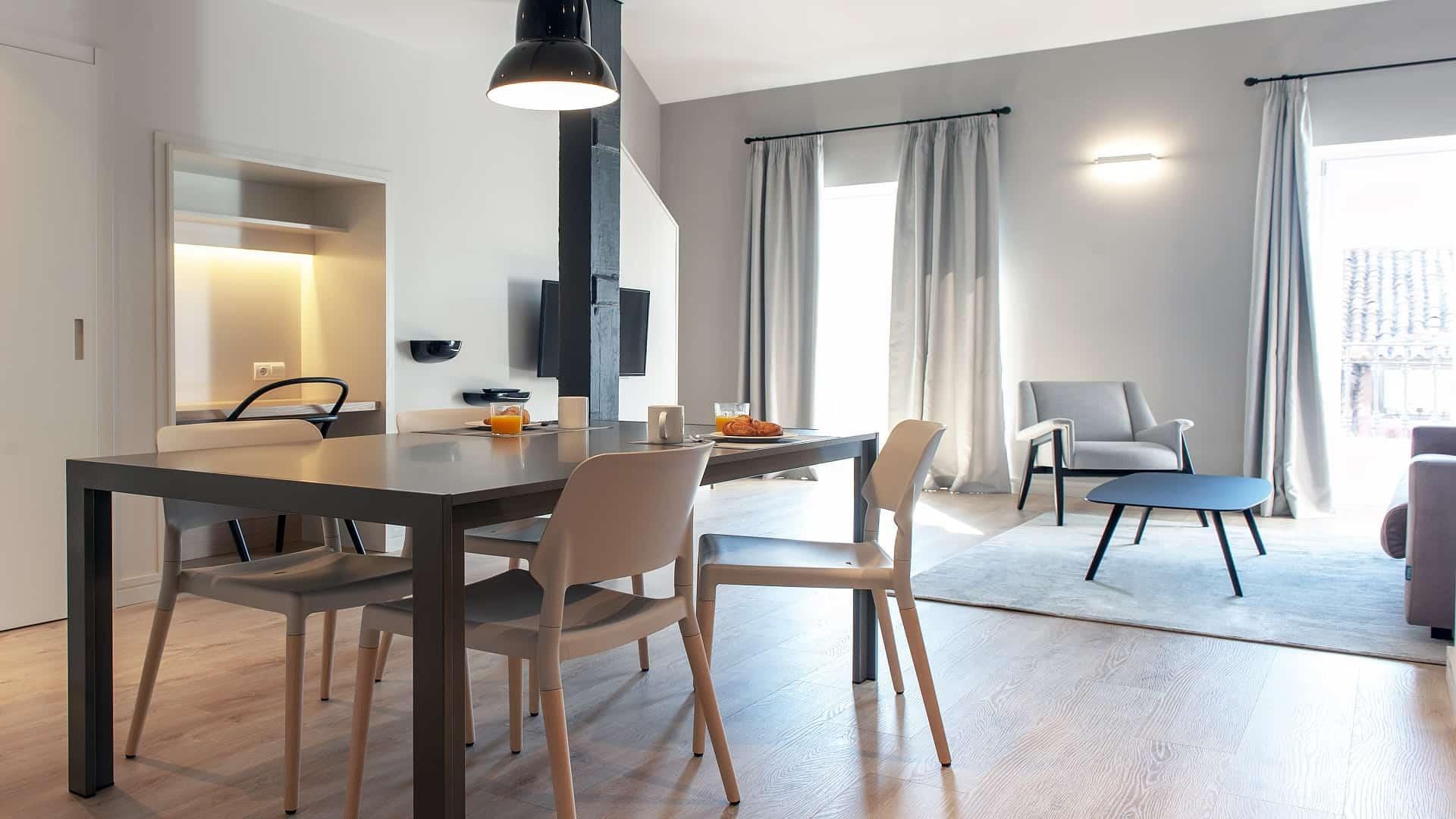 MH Apartments<br> style différent, même essence